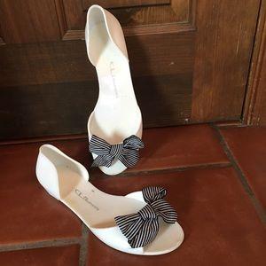 Chinese Laundry jelly peep toe white sandals, 10